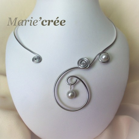 collier fantaisie reglable aluminium